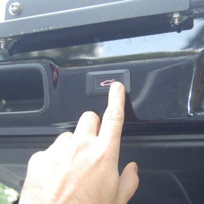 Toyota 4runner with aftermarekt power liftgate rear button
